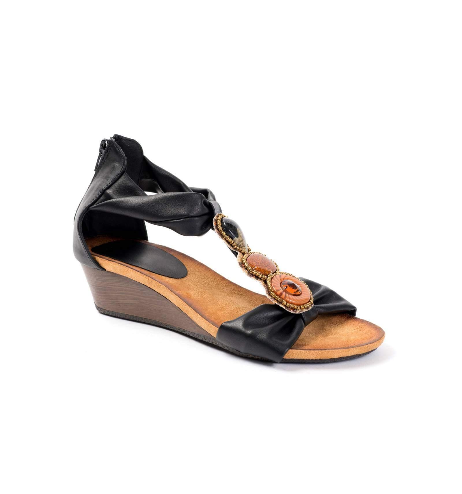 bdc8def58f055 Sandales compensées noires avec bijoux BOLLYWOOD ...