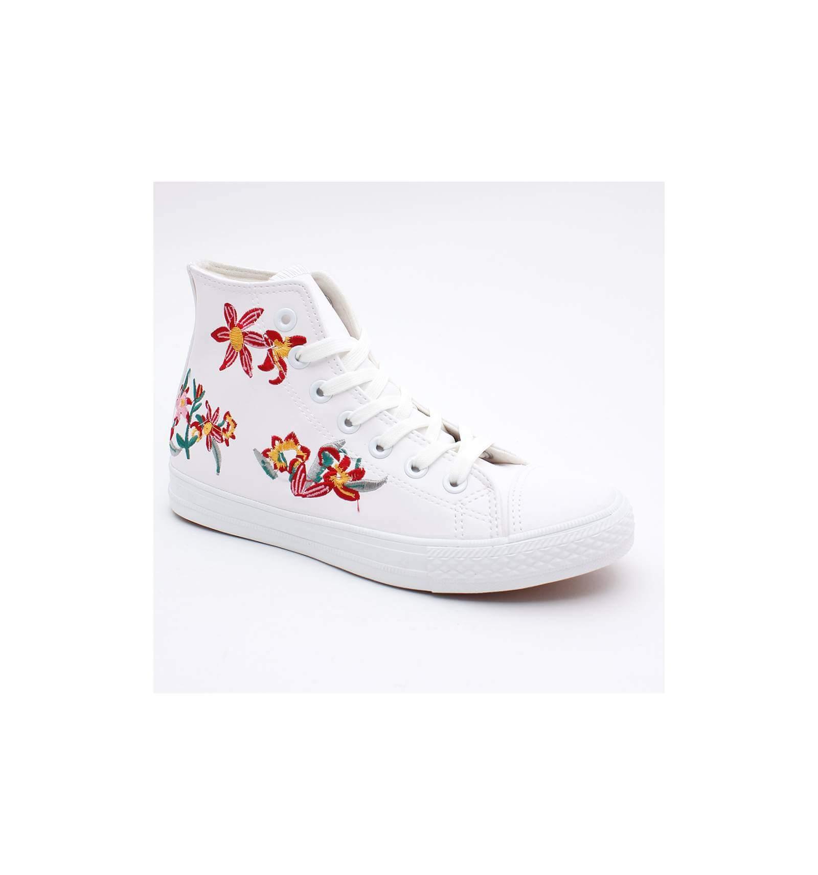 bf2c643706a31 Basket patchs imperméable blanches cuir à lacets et fleur Elie