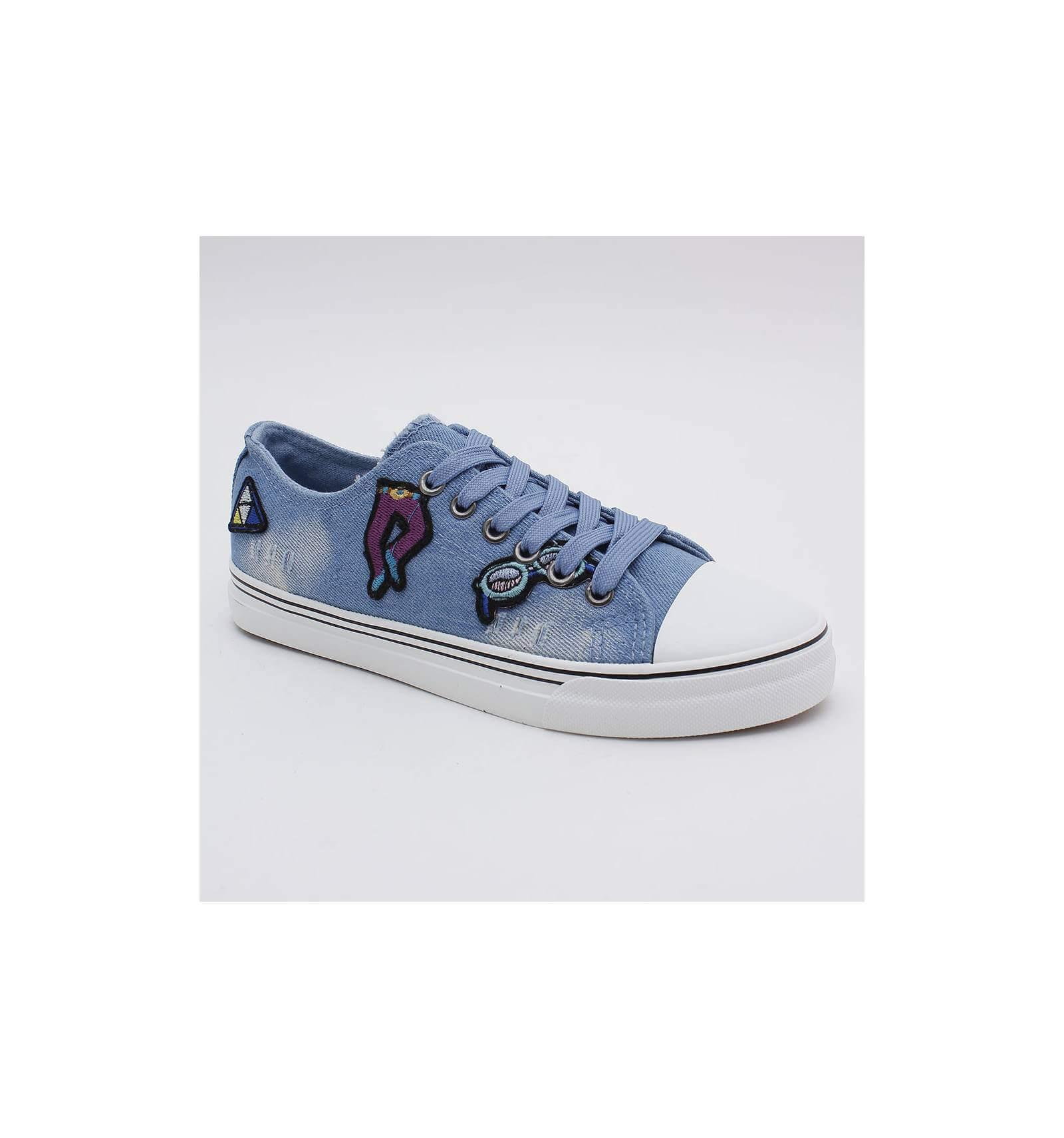 basket patchs bleue claire jeans femme avec motif design aur lie. Black Bedroom Furniture Sets. Home Design Ideas