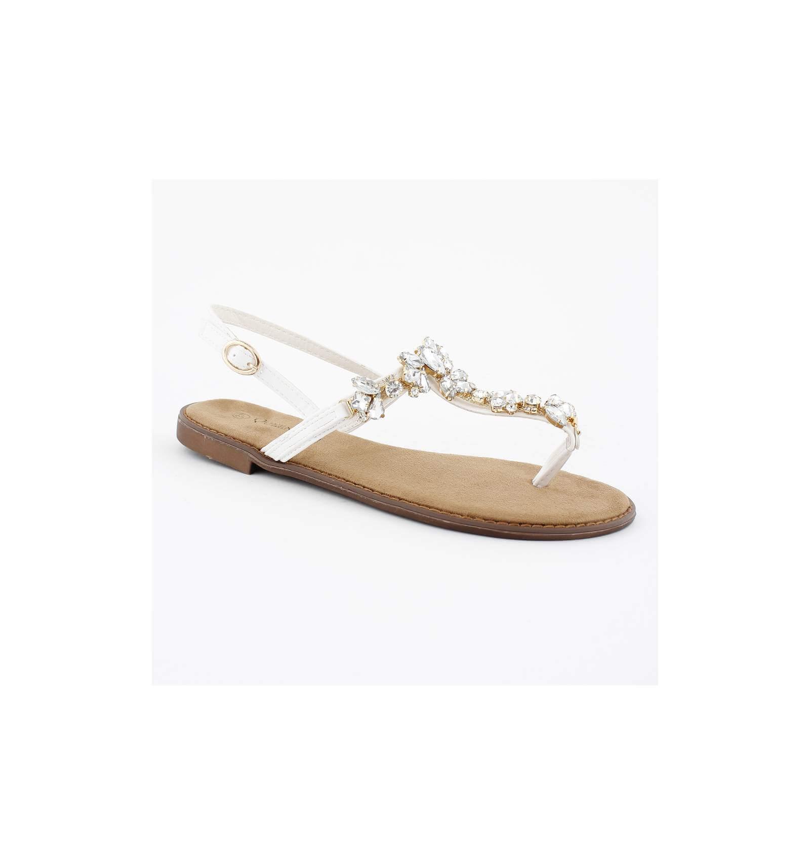 sandales femme tendance simili cuir blanc avec perles blanches stissy. Black Bedroom Furniture Sets. Home Design Ideas