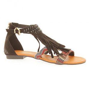 Sandales à franges: atout mode de toutes les femmes